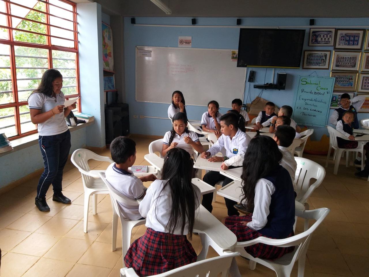 """Alumnos del comité ambiental de la """"Institución Educativa Las Guacas"""""""