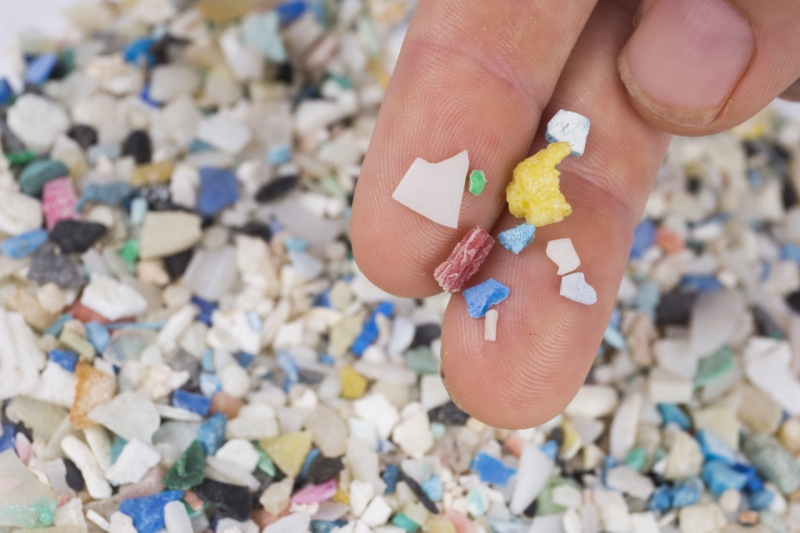 Evidencias indican que estamos ingiriendo microplástico