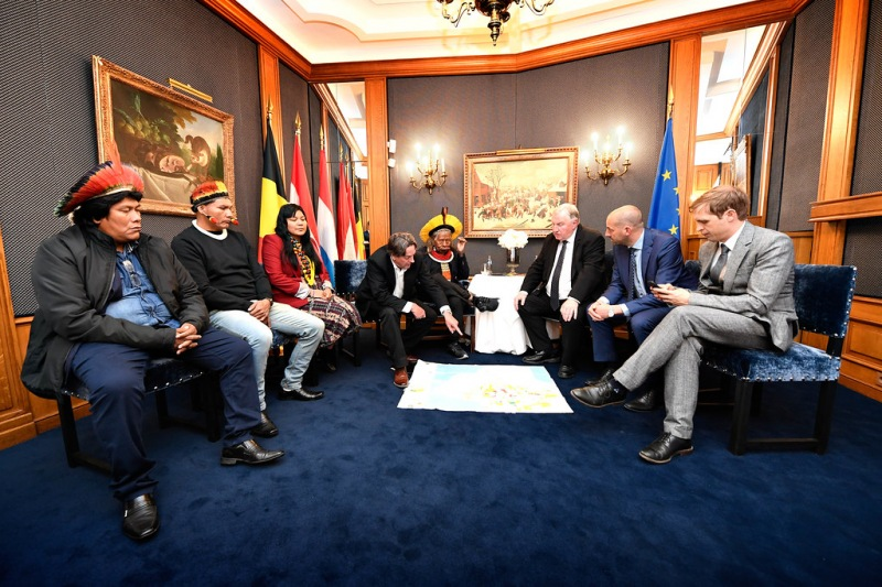 Reunión del expresidente de la CoR, Karl-Heinz Lambertz, con el Jefe Raoni Metuktire